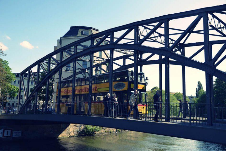 Hipster Walk Könnerritzbrücke